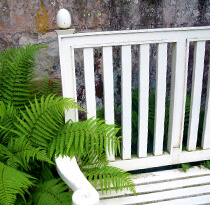 Why seating areas are essential in gardens